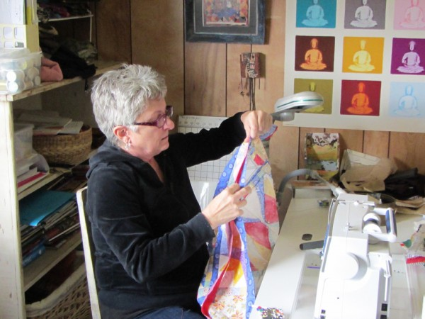 Would You Like to Design Your Own Quilt? at sewing machine 600x450